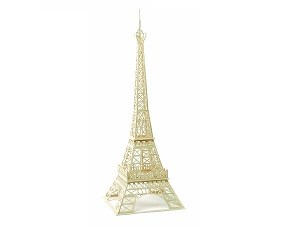 maqueta torre eiffel con palillos madera